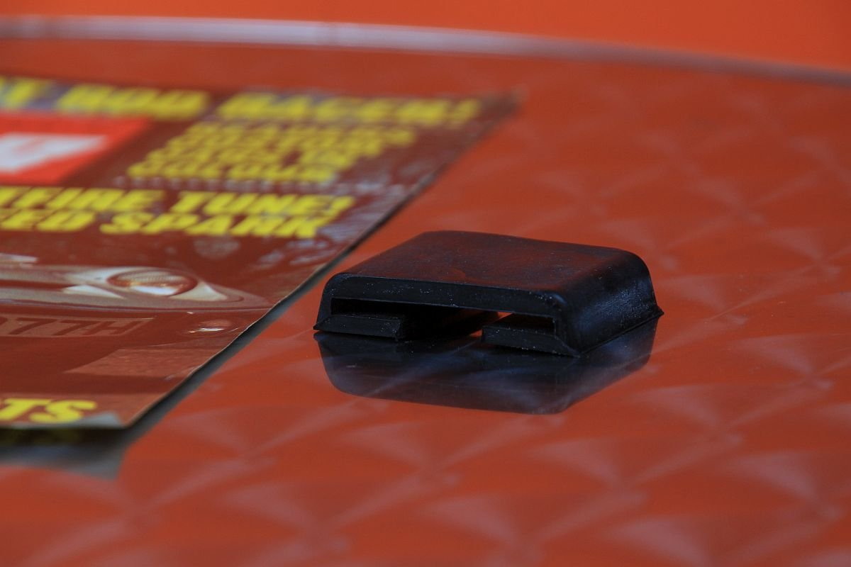 Gummi Blattfederklammer Opel GT / Kadett B